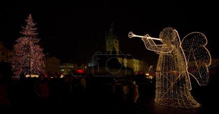 Photo pour Place de la Vieille Ville à Noël, Prague, République tchèque - image libre de droit