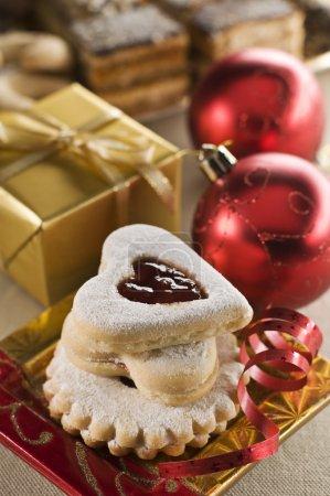 Photo pour Biscuits fraîchement cuits pour Noël gros plan - image libre de droit