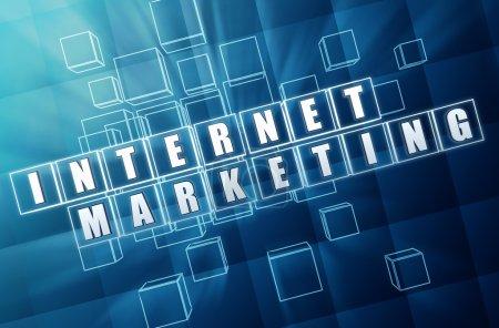 Photo pour Marketing Internet - texte dans les zones de verre bleu 3d avec lettres blanches, concept de technologie d'entreprise - image libre de droit