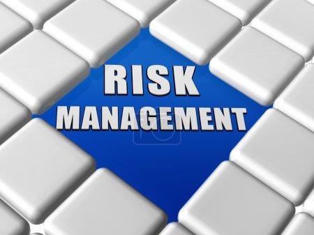 Photo pour 3d - lettres gestion des risques sur bleu entre clavier gris cases, mots de concept organisation entreprise - image libre de droit