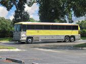 žlutý autobus
