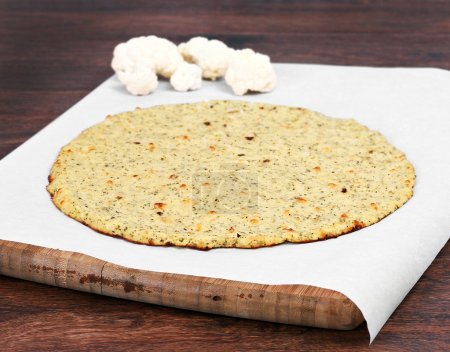 Pizzakruste mit Blumenkohl