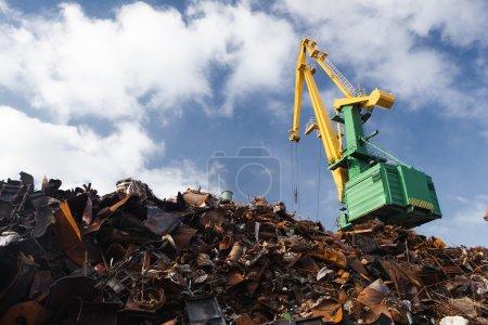 scrap metal loading
