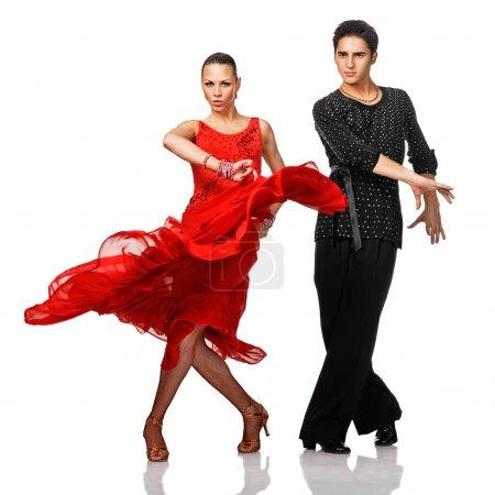 Photo pour Belles danseuses latino en action. Isolé sur blanc - image libre de droit