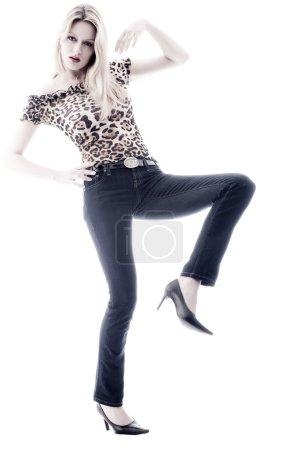 Foto de Atractiva rubia sexy chica con su nuevo look - Imagen libre de derechos