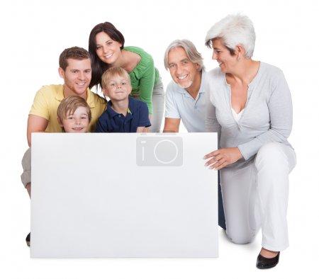 Foto de Retrato de familia feliz generaciones. aislado en blanco - Imagen libre de derechos