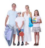 famille heureuse avec deux enfants de prêts pour les vacances