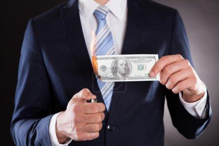 abdomen d'homme d'affaires gravure argent