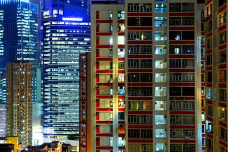 Foto de Hong Kong bloque de apartamentos por la noche - Imagen libre de derechos