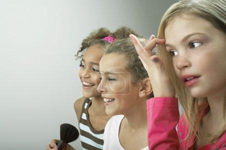Photo pour Filles mignonnes à la soirée pyjama - image libre de droit