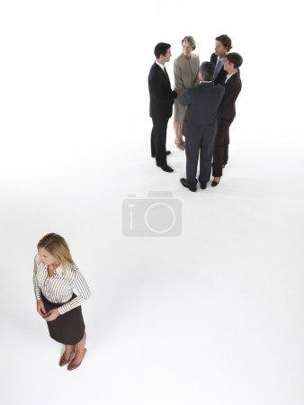 Photo pour Femme d'affaires, sentiment d'être exclu - image libre de droit
