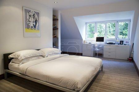 Photo pour Intérieur de la chambre à coucher moderne - image libre de droit