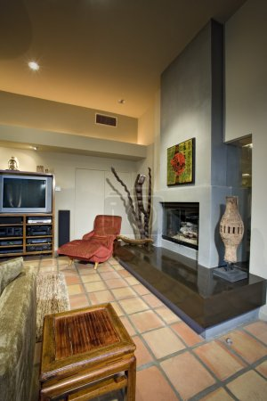 Photo pour Salon moderne avec cheminée - image libre de droit