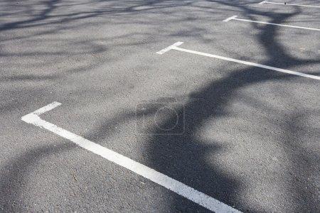 Photo pour Baies de stationnement - image libre de droit
