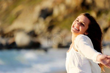 beach freedom girl