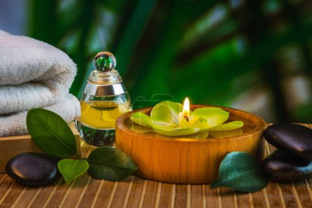 Photo pour Outils et accessoires pour les soins de spa et relaxation - image libre de droit