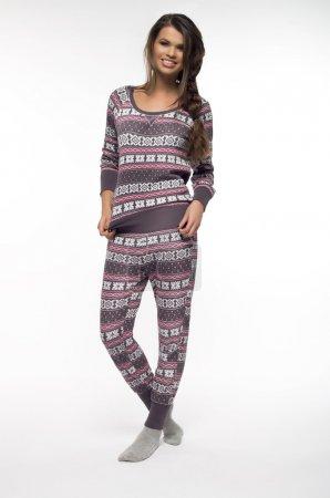 Photo pour Femme en pyjama sur le backround blanc - image libre de droit