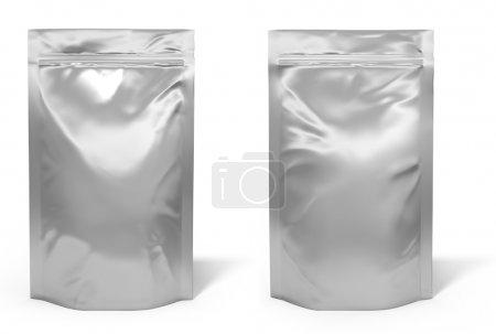 Photo pour Paquet de sac de papier d'aluminium isolé sur fond blanc - image libre de droit