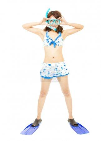 Photo pour Jeune femme portant un équipement de plongée sous-marine . - image libre de droit