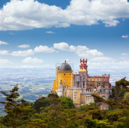 Photo pour Vue aérienne du Palais de Pena - Sintra, Lisboa - Portugal - Voyage européen - image libre de droit
