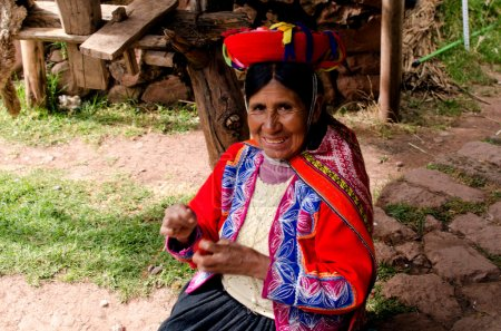 women weavers of Peru
