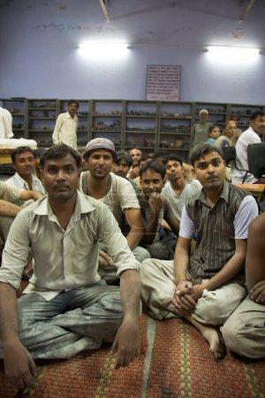 Grupo de trabajadores despertando por el comercio justo Organización Tara en Agr