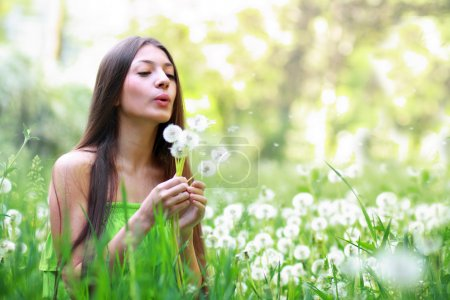 Photo pour Printemps beauté outdoors.perfect peau - image libre de droit