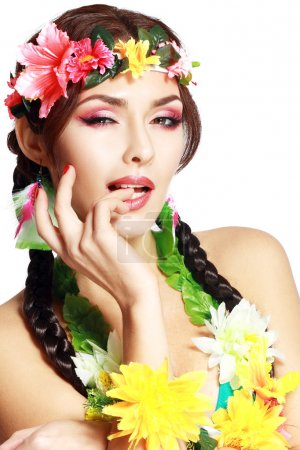 Hawaiian girl make up