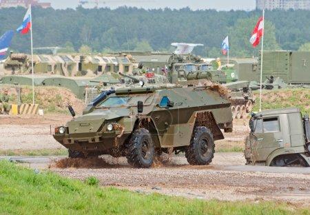 Выстрел KAMAZ43269 броневик