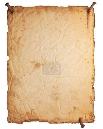 Photo pour Vieux papier vide avec des ongles rouillés isolés sur fond blanc - image libre de droit