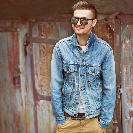 Photo pour Hipster style gars - image libre de droit
