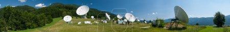 Photo pour Panorama des antennes de la station terrienne Aflenz, Styrie, Autriche - image libre de droit