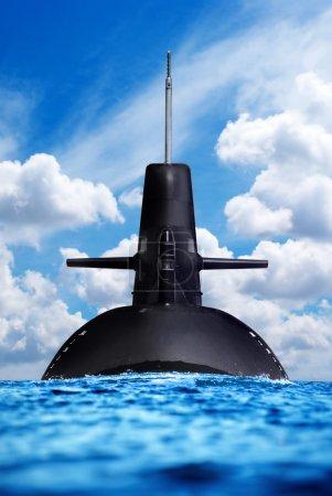Photo pour Sous-marin nucléaire dans l'océan . - image libre de droit
