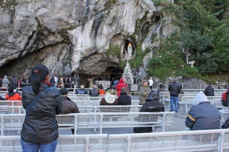 Photo pour Grotte de Lourdes France - image libre de droit
