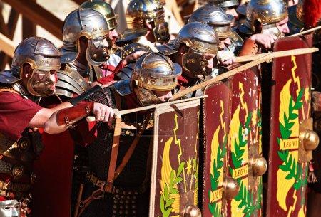 Photo pour Spectacle de gladiateurs - image libre de droit