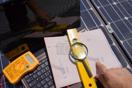 Foto de Paneles fotovoltaicos de prueba - Imagen libre de derechos