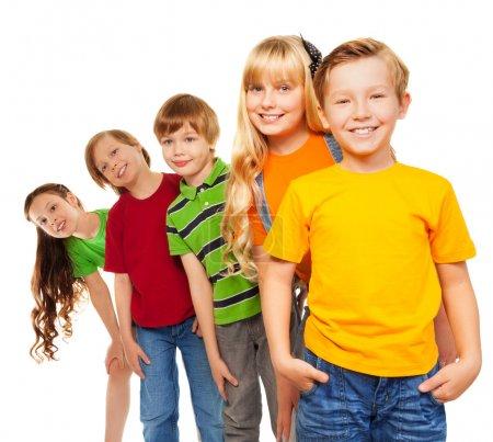 Foto de Niños de ocho años de edad feliz - tres niños y dos niñas - Imagen libre de derechos
