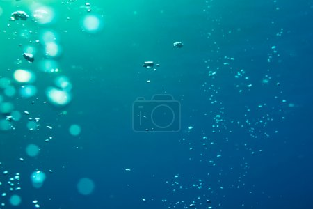 Underwater air bubbles getting to the surface