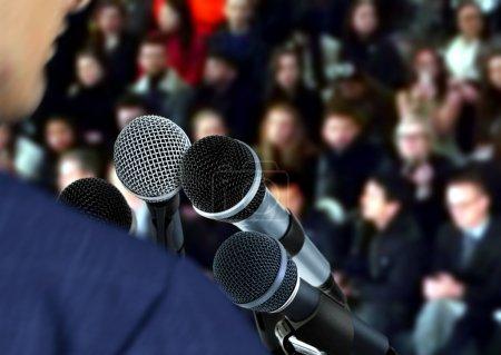 orateur à un séminaire discours