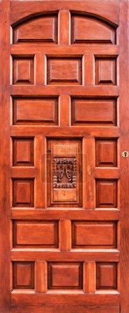 Photo pour Ancienne porte brune en bois - image libre de droit