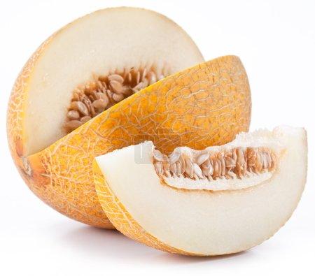 Photo pour Melon avec tranche sur fond blanc . - image libre de droit