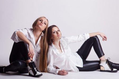 two fashion youngs girls