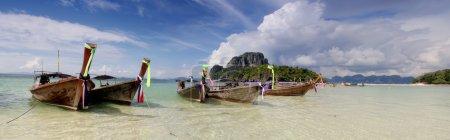 Photo pour Bateaux à longue queue en Thaïlande - image libre de droit