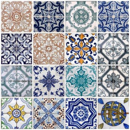 Foto de Detalle de los tradicionales azulejos (azulejos) de fachada de casa antigua en Lisboa, portugal - Imagen libre de derechos