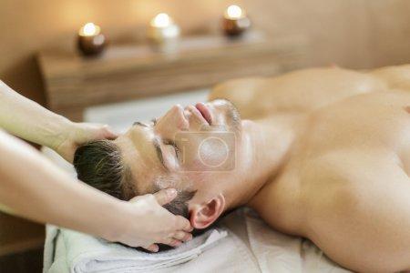 Photo pour Massage du visage - image libre de droit