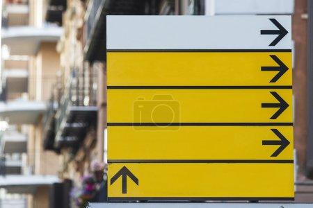 Photo pour Vue sur le panneau de rue vide - image libre de droit