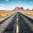 Long road to Monument Valley, USA...