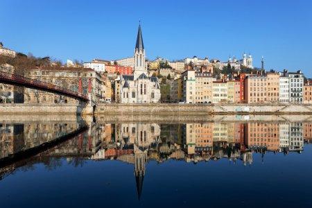 Photo pour Vue horizontale de Lyon et de la Saône en France - image libre de droit