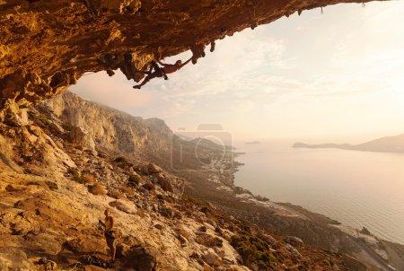 Photo pour Escalade au coucher du soleil, île de Kalymnos, Grèce - image libre de droit