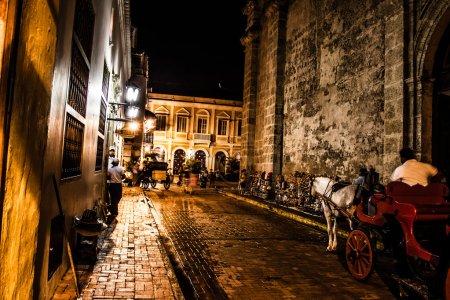 Photo pour Cartagena de Indias la nuit, Colombie - image libre de droit
